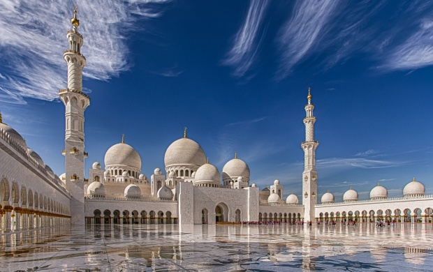 Sheikh Zayed Grand Mosque Abu Dhabi (click to view)