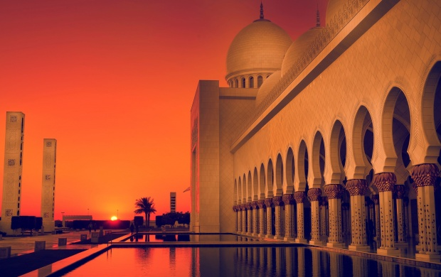 Sheikh Zayed Mosque At Sunset (click to view)