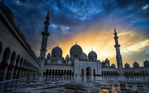 Sheikh Zayed Mosque Sunbursting Sunset (click to view)