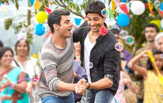 Sidharth Malhotra Fawad Khan Kapoor And Sons Dance (click to view)
