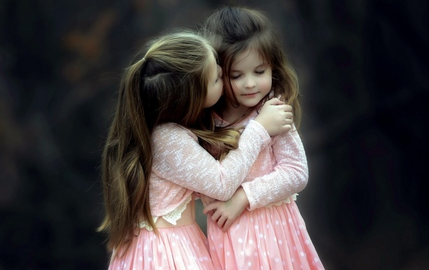 Love Wallpaper For Sister : Sisters Kiss wallpapers