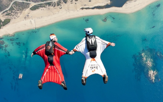 Skydiving Wingsuit Flying (click to view)