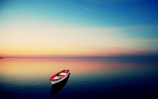 Small red and white boat (click to view)