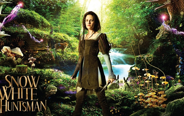 Snow White And The Huntsman Poster (click to view)