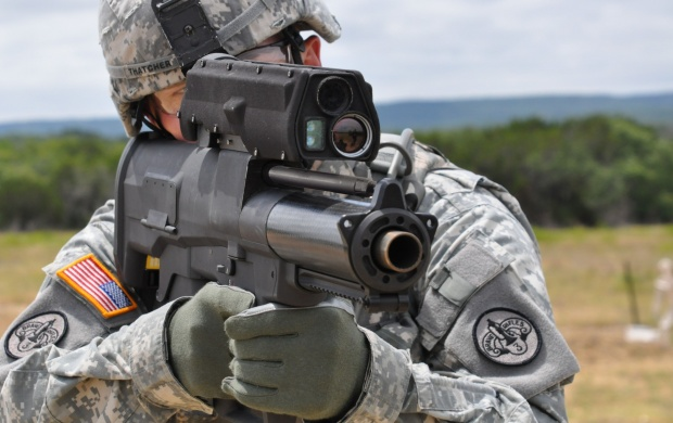 Soldier XM25 Weapon (click to view)