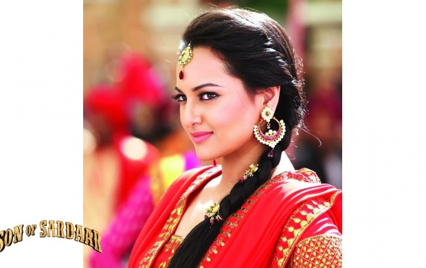 Sonakshi Sinha In Son Of Sardaar (click to view)