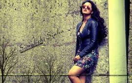 Sonakshi Sinha Stylish Look
