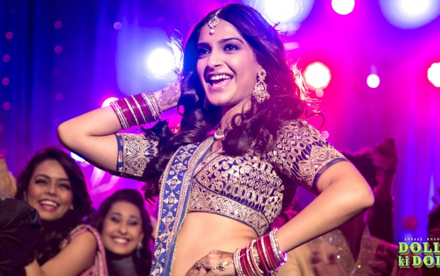 Sonam Kapoor Dancing In Dolly Ki Doli (click to view)