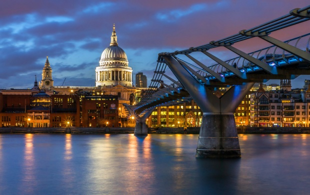 St. Pauls Cathedral London Lighting (click to view)