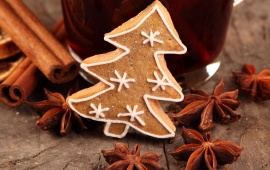 Star Anise Christmas Tree Cookies