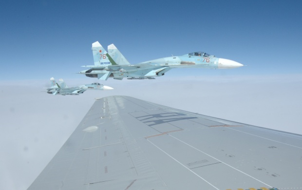 Su-27 Flankers (click to view)