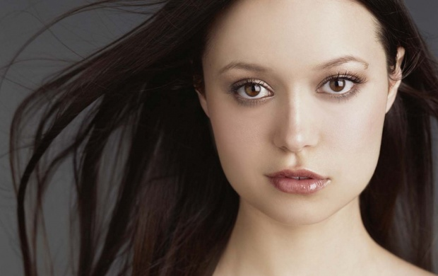 Summer Glau Beautiful Face (click to view)