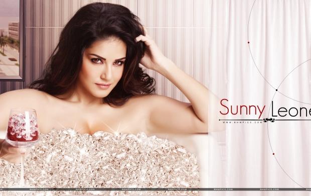 Sunny Leone Hd Wallpapers Free Wallpaper Downloads Sunny Leone Hd Desktop Wallpapers Page