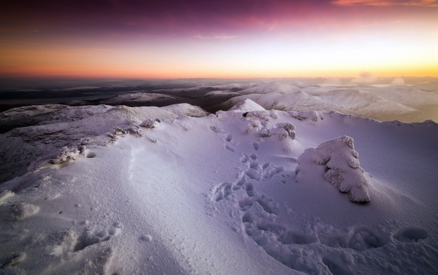 Sunset Snow Mountains (click to view)