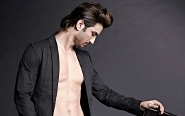 Sushant Singh Rajput In Black Shirt