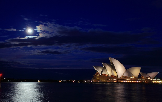Sydney Opera House The Night Moon (click to view)