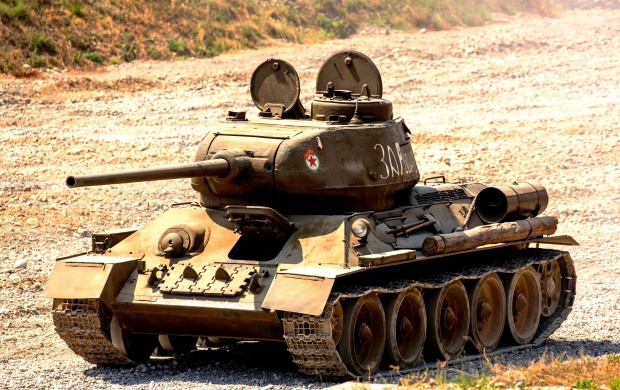 T-34-85 Soviet Medium Tank (click to view)