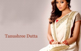 Tanushree Dutta In White Saree
