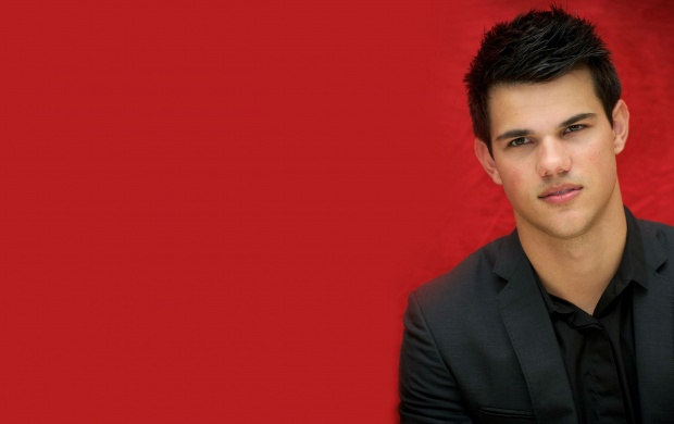 Taylor Daniel Lautner (click to view)