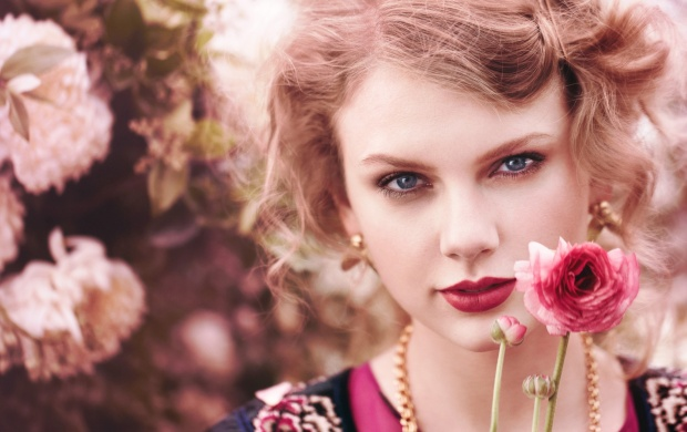 Taylor Swift Teen Vogue (click to view)