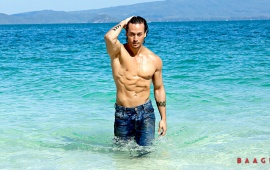 Tiger Shroff Perfect Abs