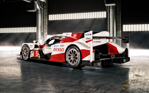 Toyota TS050 Hybrid 2016 (click to view)