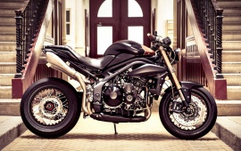 Triumph Speed Triple Cafe
