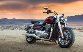 Triumph Thunderbird Commander First Ride