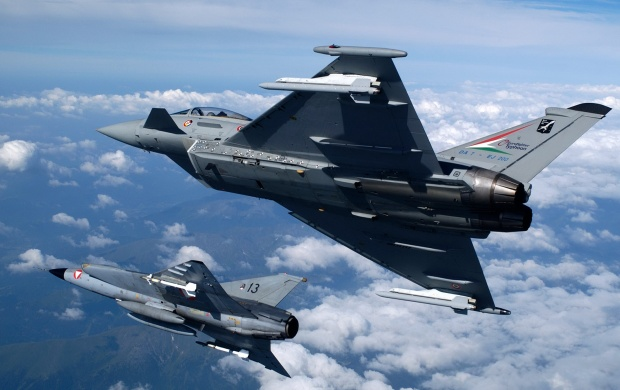 Two Eurofighter Typhoon (click to view)