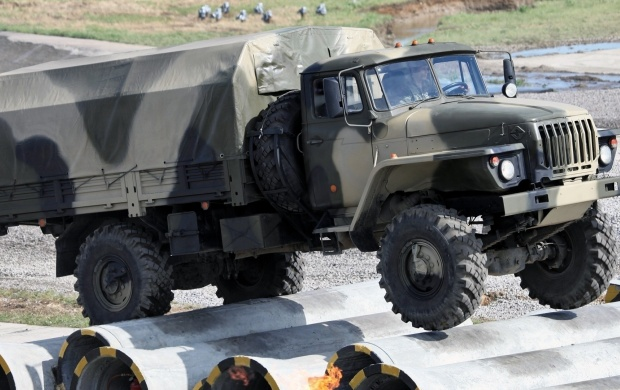 Urals 43206 Truck Military (click to view)