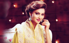 Urvashi Rautela Leaves On Lookers