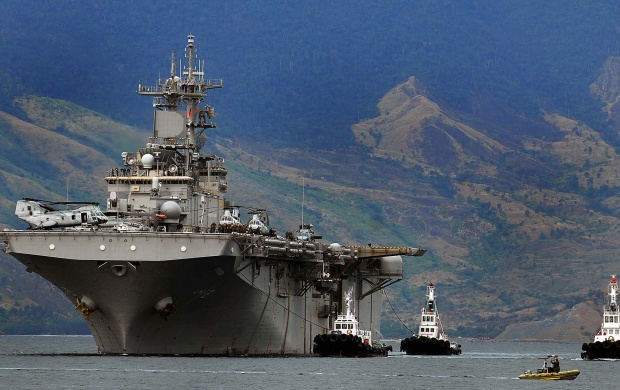 USS Essex In Subic Bay (click to view)