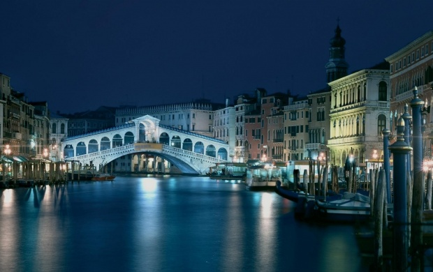 Venice Italy Architecture And Bridge (click to view)