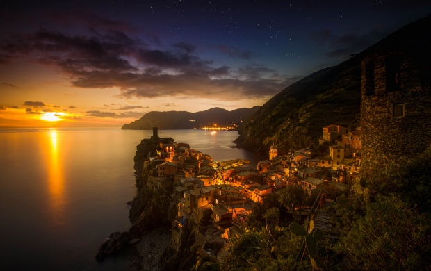Vernazza Italy (click to view)