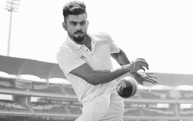 Virat Kohli Throw A Ball (click to view)