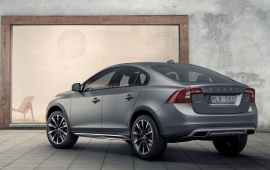 Volvo S60 Cross Country Rear Quarter 2016