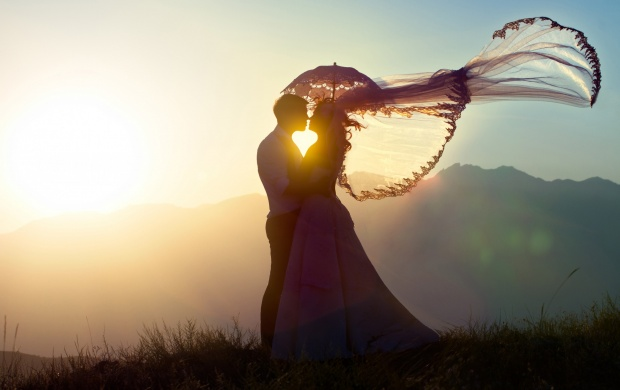 Wedding Couple Sunset Romance (click to view)