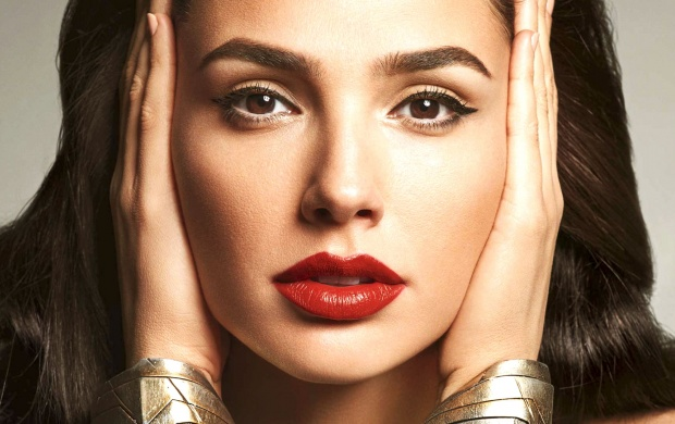 Wonder Woman Red Lips (click to view)