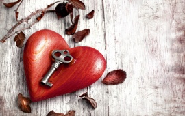 Wood Heart With Key