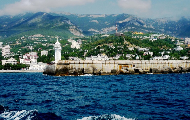 Yalta (click to view)