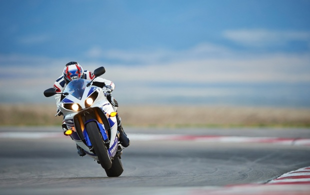 Yamaha YZF-R1 2014 (click to view)