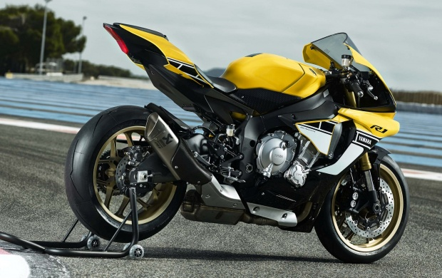 Yamaha YZF-R1 Yellow Black 2016 (click to view)