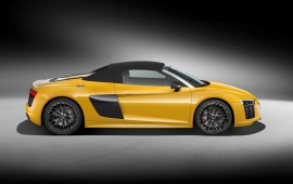 Yellow Audi R8 Spyder 2017