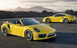 Yellow Porsche 911 Turbo S 2017