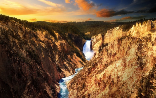 Yellowstone Falls (click to view)