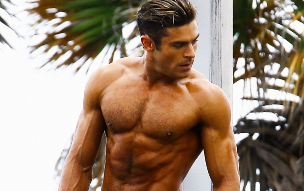 Zac Efron Baywatch (click to view)