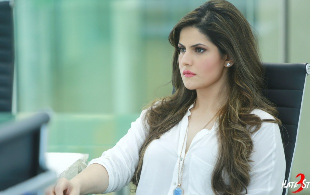 Zarine Khan As Siya Deewan Hate Story 3 (click to view)