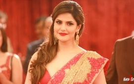Zarine Khan In Saree Hate Story 3