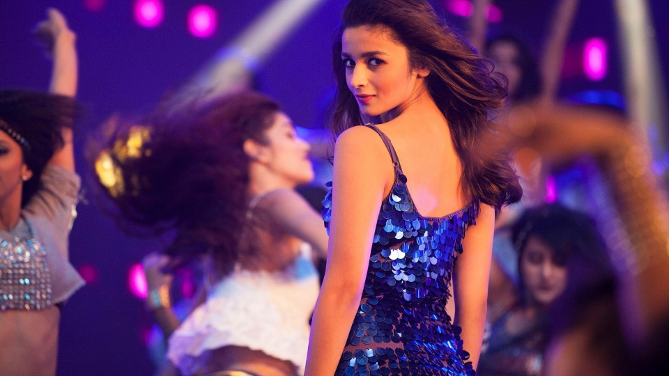 Alia Bhatt As Tia Singh Kapoor & Sons