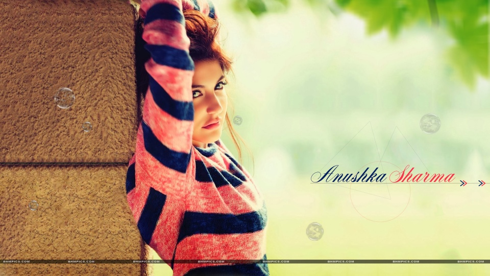 Anushka Sharma Looks Cute